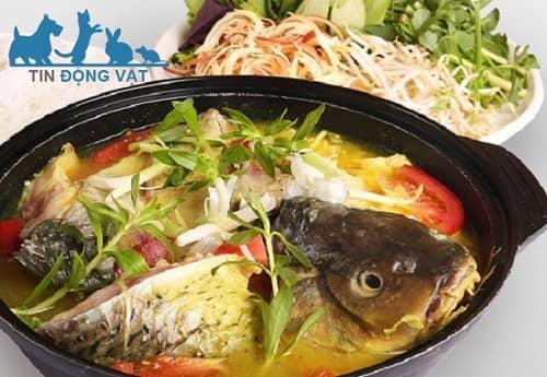 cá chép giòn nấu măng chua