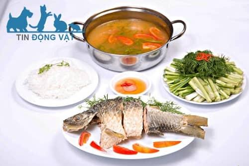 cá giòn nấu riêu