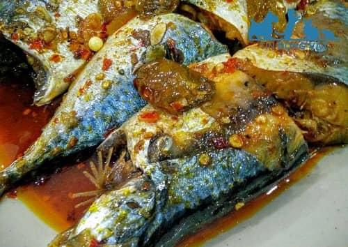 cá nục hấp xì dầu